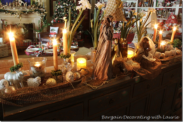 Family Room Christmas Decor on the Buffet