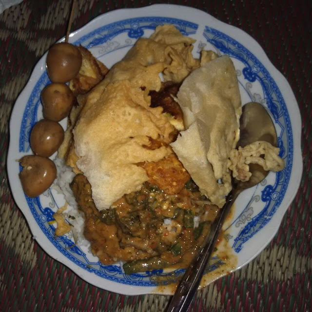 nasi pecel, pecel ponorogo, food, kuliner malam