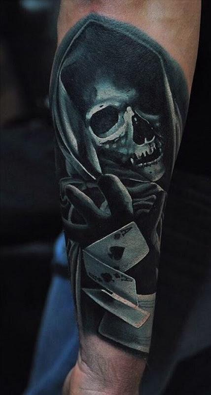 este_arrebatador_preto_e_branco_tatuagem_de_caveira