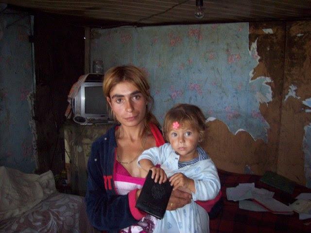 Davtyan Susanna's mother and sister