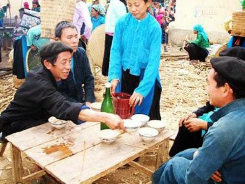 tim hieu van hoa uong ruou o son la1 Tìm hiểu văn hoá uống rượu ở Sơn La