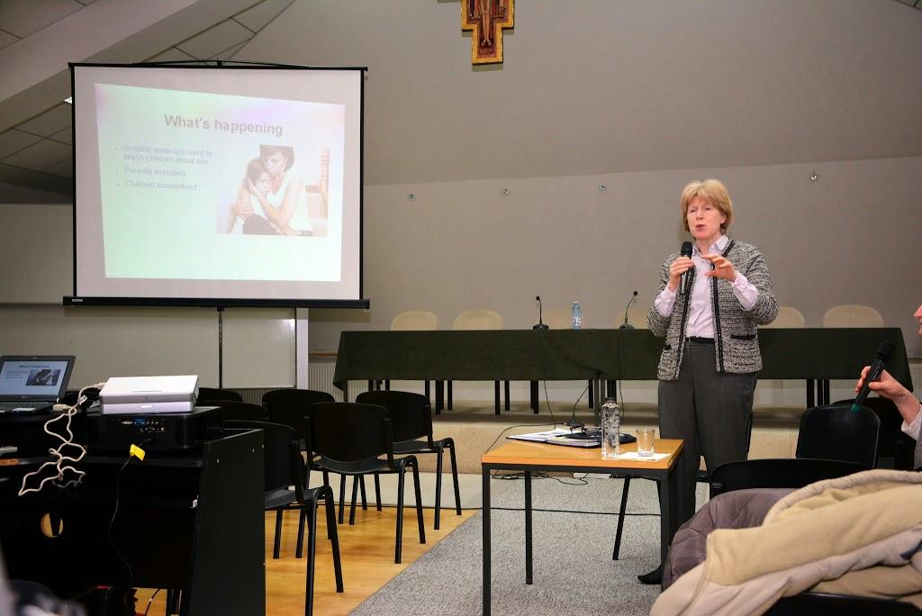 Antonia Tully - Educatia sexuala in Marea Britanie 063