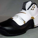 Nike Zoom LeBron Soldier Showcase