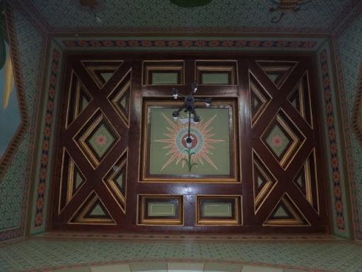 Vista do teto da Capela dedicada ao padroeiro da Igreja Católica
