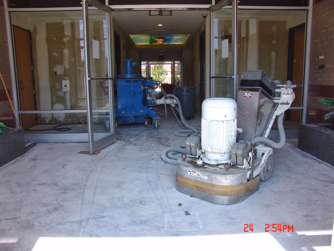 Linlo properties ceramic tile removal dailygadgetfo Image collections