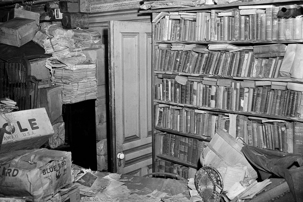 collyer-brothers-house-176?imgmax=1600 The Collyer Brothers: History's Worst Hoarders Random
