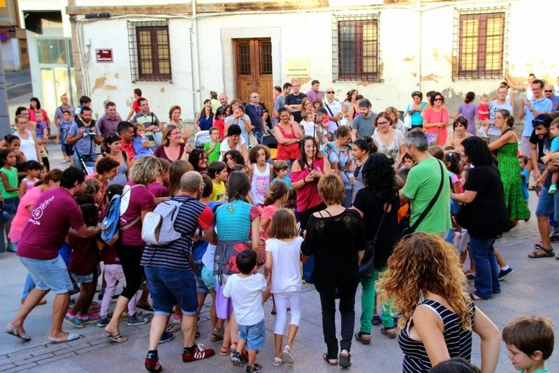 Festa infantil i taller balls tradicionals a Sant Llorenç  20-09-14 - IMG_4230.jpg