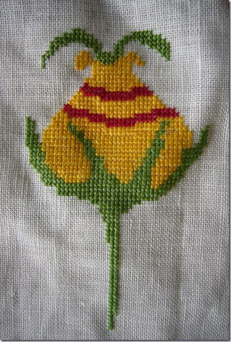 gele-borduurbloem-a