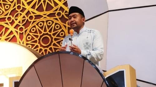 Wagub Audy Joinaldy Berikan Ceramah di Masjid Raya Sumbar