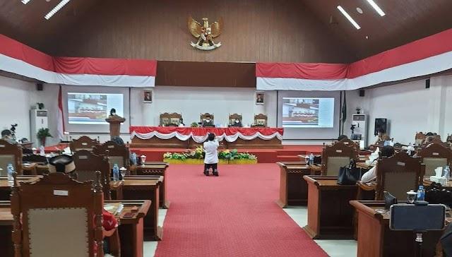 Bupati Pulpis Sampaikan KUPA PPAS Perubahan APBD Kabupaten Tahun 2021