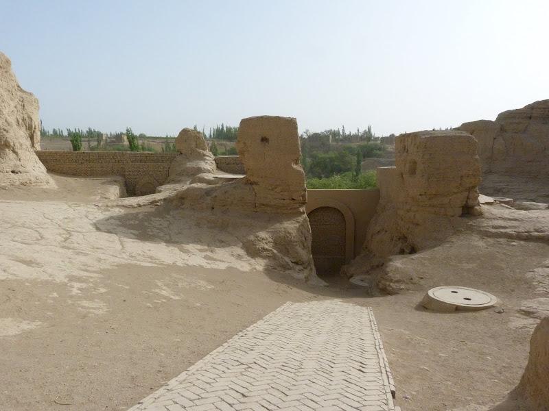 XINJIANG.  Turpan. Ancient city of Jiaohe, Flaming Mountains, Karez, Bezelik Thousand Budda caves - P1270780.JPG