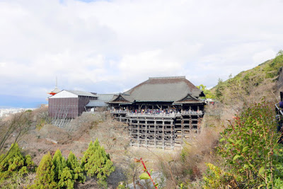 The most famous part of Kiyomizu-dera temple is Kiyomizu Stage, which is the veranda of the Main Hall extended over a precipice