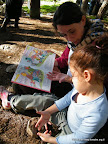 מאיה המקסימה מקריאה לאור רחוב סומסום באנגלית