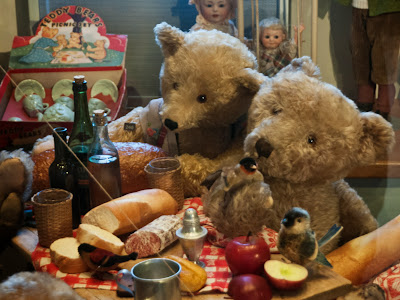 Teddybären beim Picknick