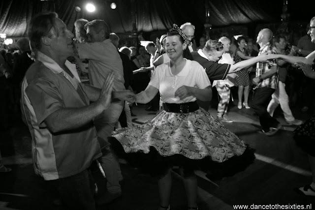 Naaldwijkse Feestweek Rock and Roll Spiegeltent (36).JPG