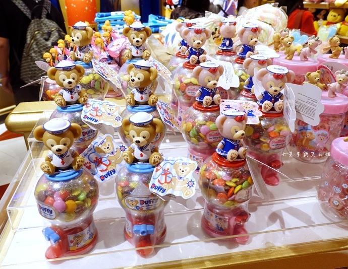 34 香港機場 迪士尼奇妙店 買達菲熊免進迪士尼樂園