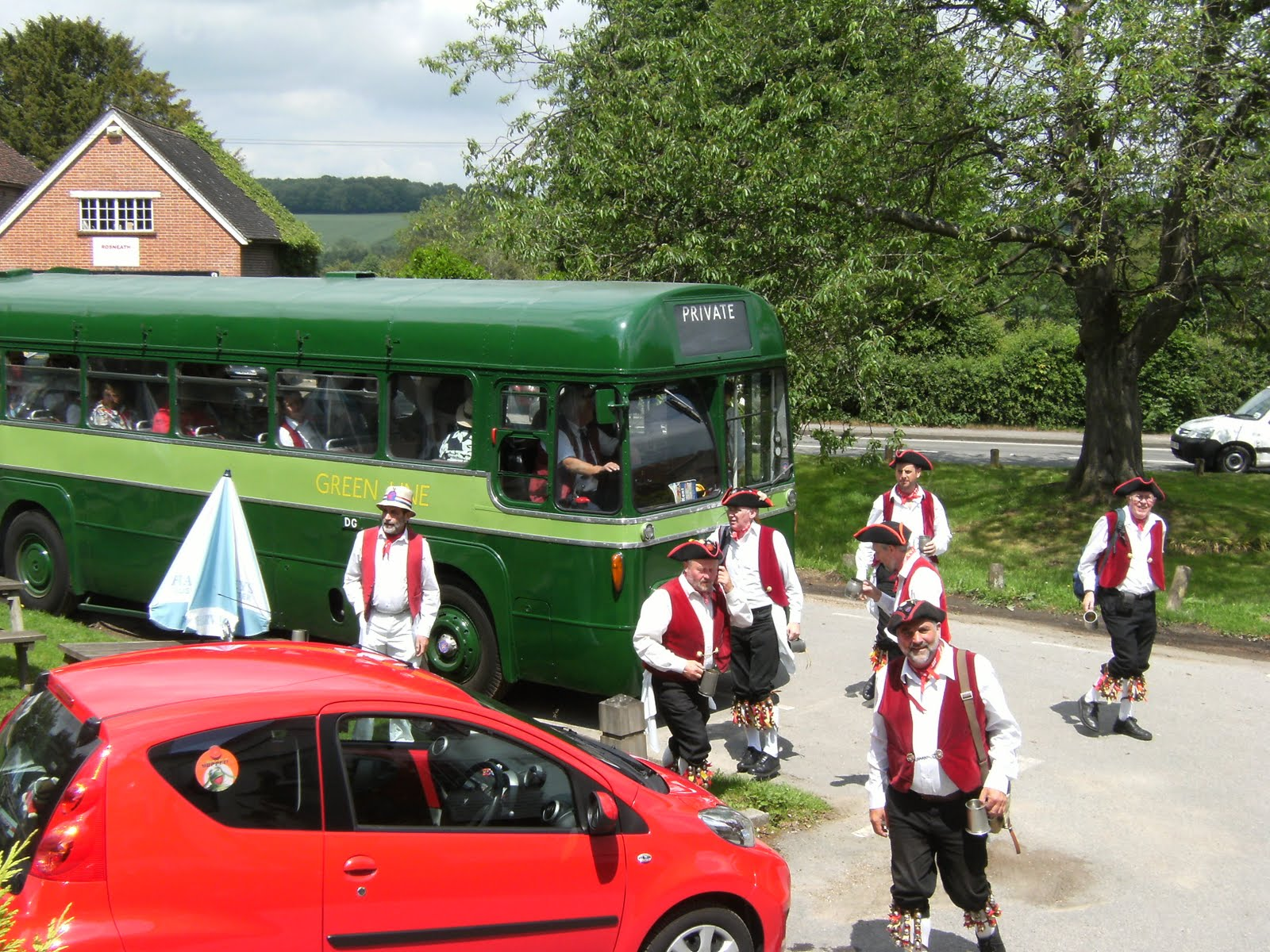 1006120020 Arrival of the Hartley Morris Men