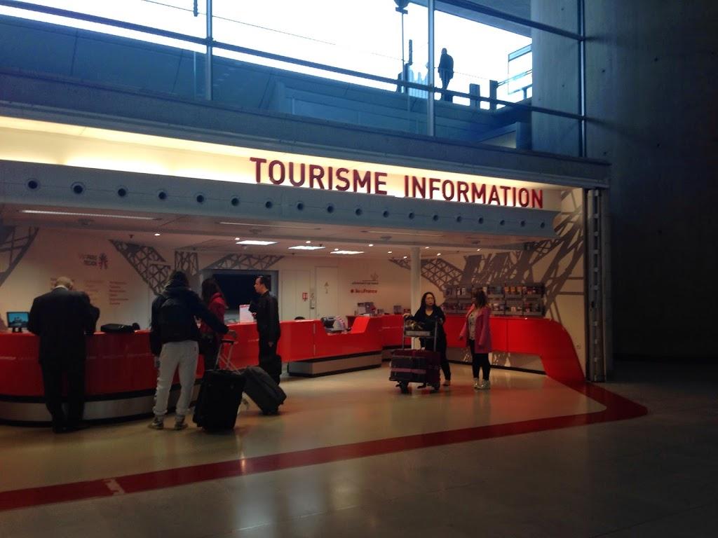 ロワシーバスでシャルル・ド・ゴール国際空港からパリ市内へ移動