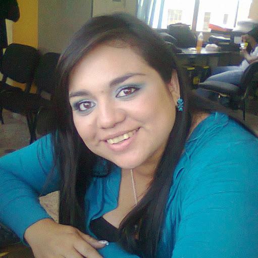 Roxana Molina Photo 17