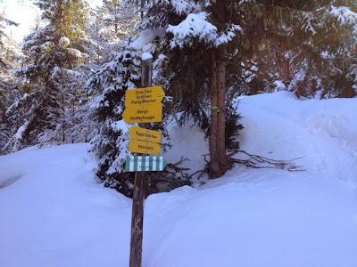 Wegweiser Schneeschuhtour auf die Hannigalp