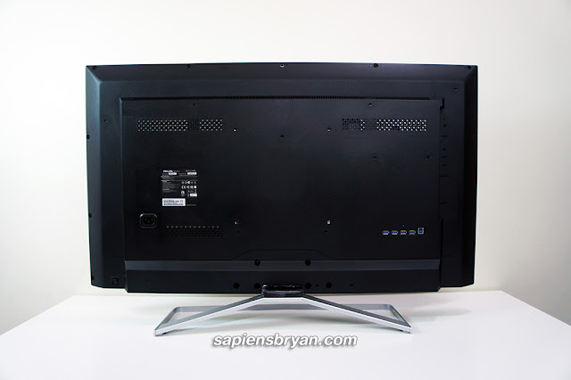 Philips BDM4065UC Rear Design