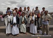 Friday prayer on 60 Meter Rd, Sana'a, Yemen جمعة الوفاء لأبين  في شارع الستين بصنعاء