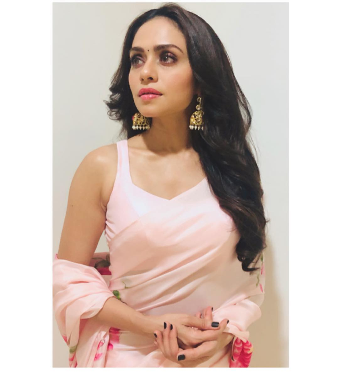 Amruta khanvilkar  IMAGES, GIF, ANIMATED GIF, WALLPAPER, STICKER FOR WHATSAPP & FACEBOOK