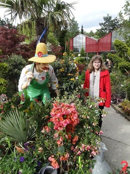 2018.05.01-118 Stéphanie et le jardinier
