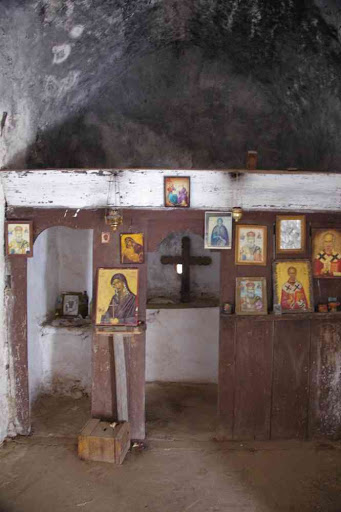 Petite chapelle (St Nicolas) en haut des gorges de Samaria (Φαράγγι Σαμαριάς).