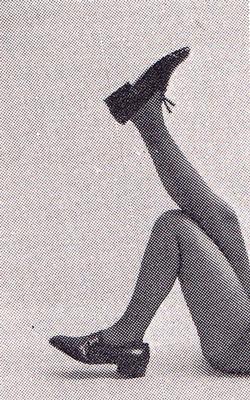 Publicité vintage : Les pieds les plus spirituels portent des carvil. - Pour vous Madame, pour vous Monsieur, des publicités, illustrations et rédactionnels choisis avec amour dans des publications des années 50, 60 et 70. Popcards Factory vous offre des divertissements de qualité. Vous pouvez également nous retrouver sur www.popcards.fr et www.filmfix.fr