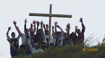 Colocación de una Cruz en la cima del monte Suárez