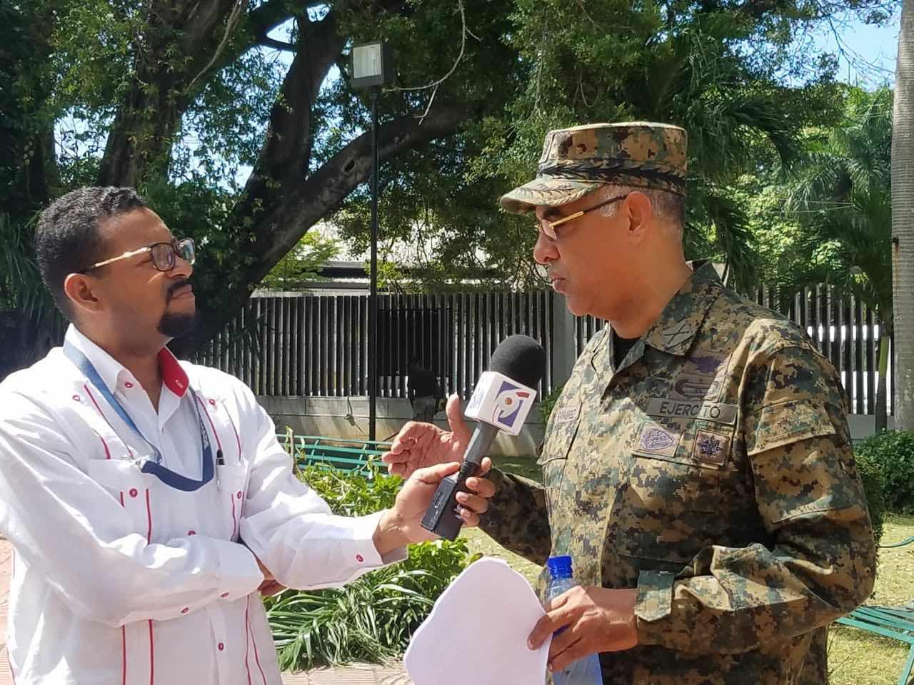 Gral.Ramírez Martínez, Comandante Comando Conjunto Metropolitano del MIDE, resalta trabajo que realizan las secretarias