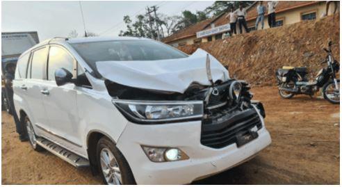 Khadar car met with accident | ಮಾಜಿ ಸಚಿವ ಖಾದರ್ ಕಾರು ಅಪಘಾತ: ವಾಹನ ಜಖಂ, ಖಾದರ್ ಅಪಾಯದಿಂದ ಪಾರು