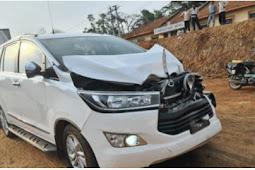 Khadar car met with accident   ಮಾಜಿ ಸಚಿವ ಖಾದರ್ ಕಾರು ಅಪಘಾತ: ವಾಹನ ಜಖಂ, ಖಾದರ್ ಅಪಾಯದಿಂದ ಪಾರು