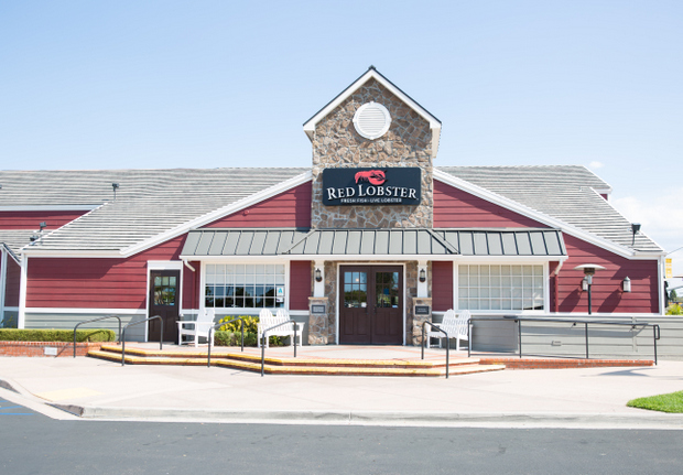 photo of the outside of red lobster