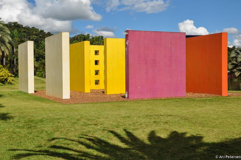 Obra: Penetrável Magic Square de Helio Oiticica - Instituto de Arte Contemporânea em Inhotim - Brumadinho, Minas Gerais. Fotos de Inhotim. Foto numero 14.