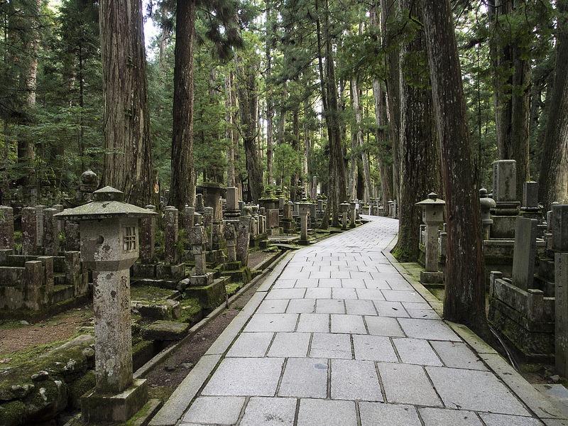 okunoin-cemetery-16
