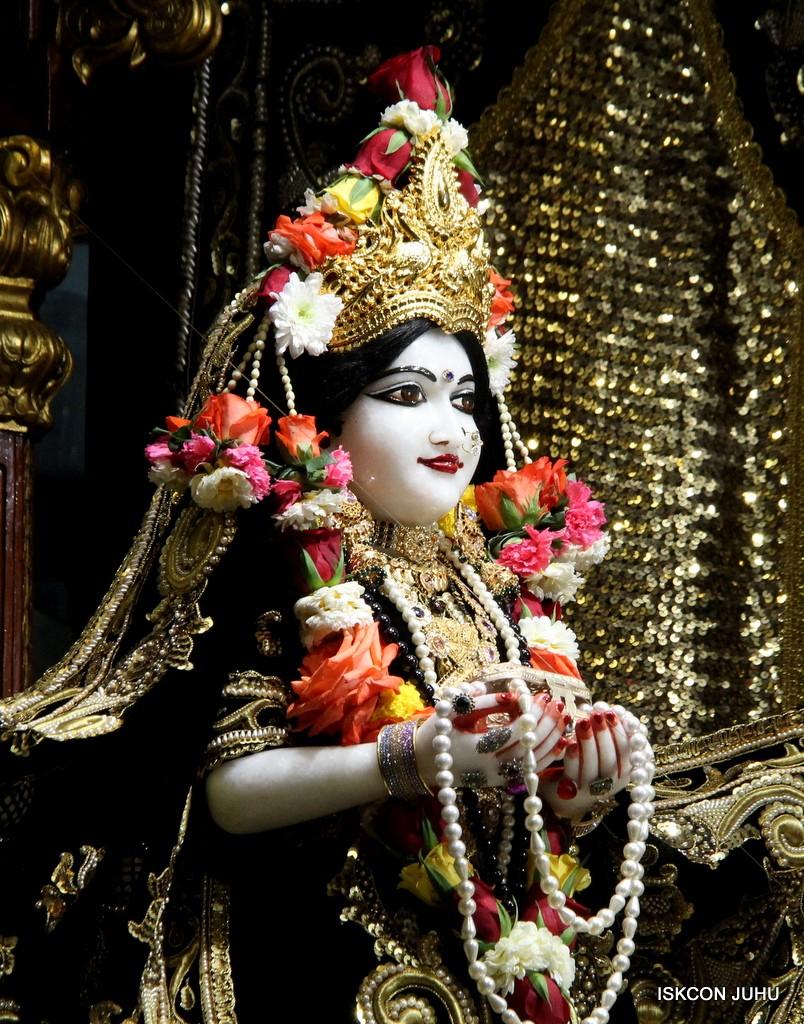 ISKCON Juhu Sringar Deity Darshan 7 Jan 2017  (9)