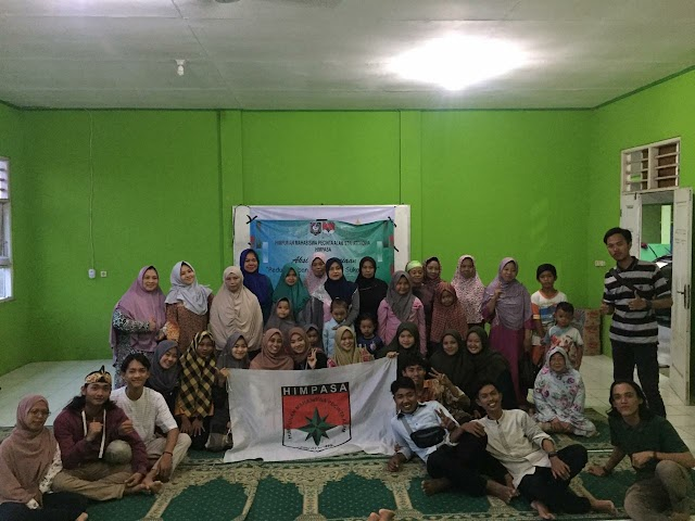 Himpunan Mahasiswa Pecinta Alam STAI At-Taqwa-Bekasi mengadakan aksi peduli lingkungan dan kemanusiaan