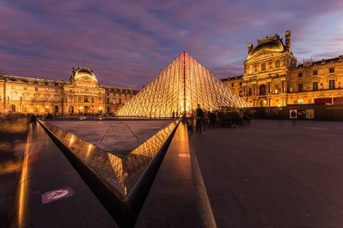 Airbnb alternatives: Louvre Paris Dusk