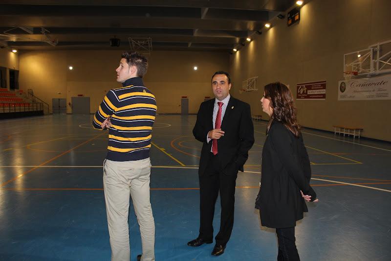 Visita del Alcalde de Lanjarón, Eric Escobedo, al Pabellón Deportivo de Alhendín