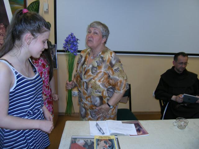 Spotkanie z autorem książek o św. Janie z Dukli i św. Janie Pawle II – Jadwigą Nowak - P6120110.JPG