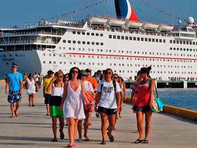 """La llegada de turistas a la República Dominicana en 2018 fue de 6.568.888, una cifra """"histórica"""","""