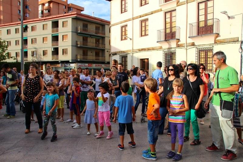 Festa infantil i taller balls tradicionals a Sant Llorenç  20-09-14 - IMG_4210.jpg