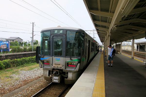滑川駅 あいの風とやま鉄道