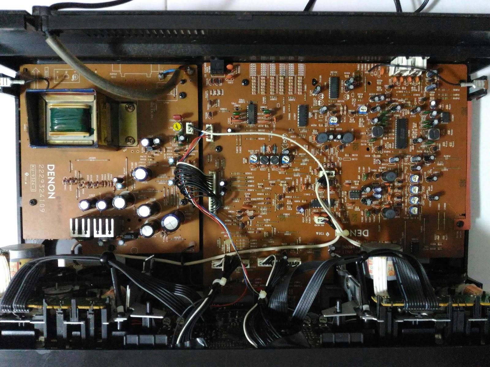 Top view of DRW-585 internals
