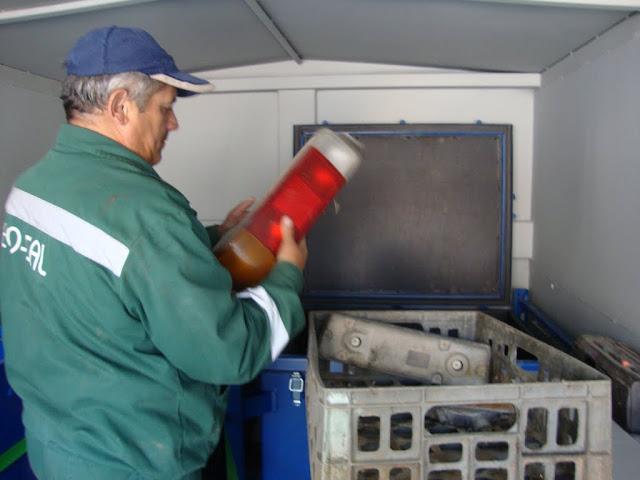 Prima campanie de colectare a deseurilor periculoase si a DEEEurilor - mai 2011 - DSC09499.JPG