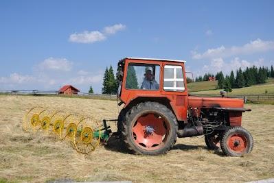 Alter Traktor bei Marisel