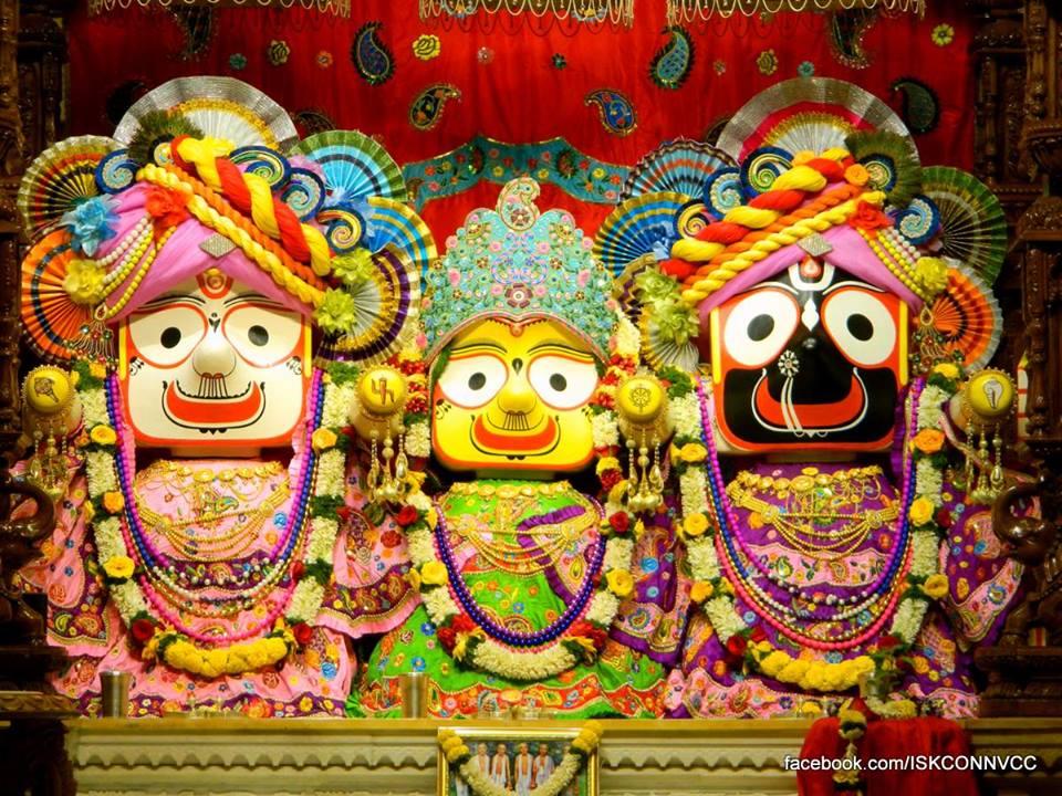 ISKCON Pune NVCC Deity Darshan 18 Dec 2015 (2)