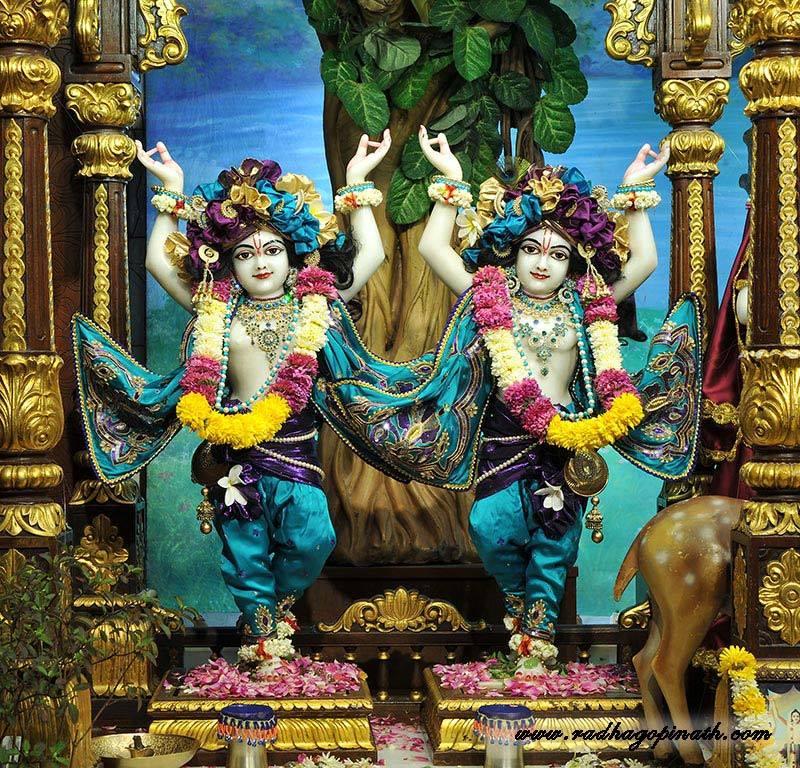 ISKCON Chowpatty Deity Darshan 03 Mar 2016  (2)